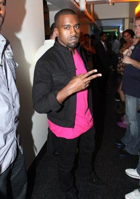 kanye_pinkshirt