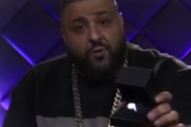 dj-khaled-proposes-to-nicki-minaj-just-sayin-2093268